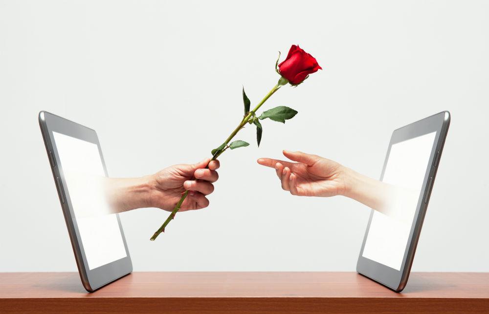 Tình yêu online đã thay đổi thế nào trong 20 năm qua?