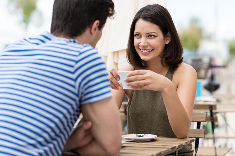 5 lý do vì sao bạn nên thử một lần hẹn hò với người sống nội tâm